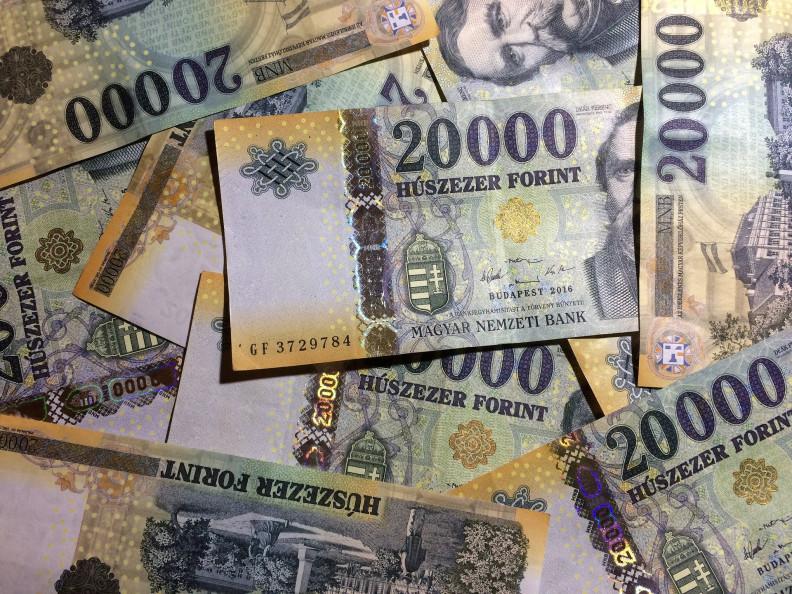 új év pénzt
