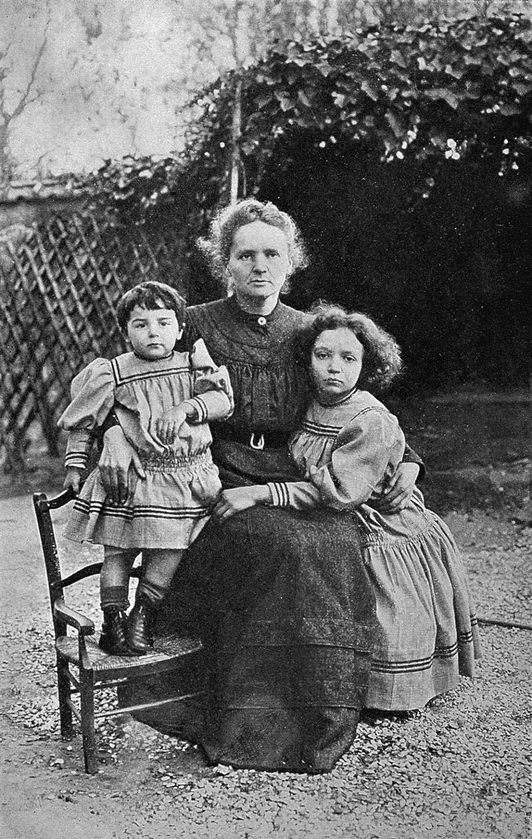 marie_curie_daughters